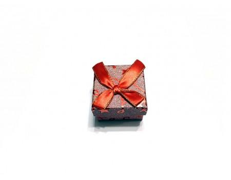 Подарочная коробочка под брелок красная